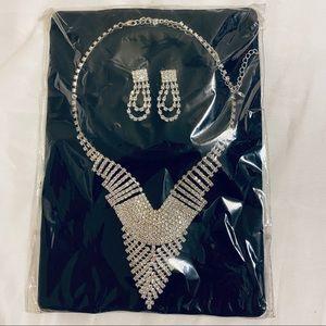 NEW Silver elegant bling necklace earring set